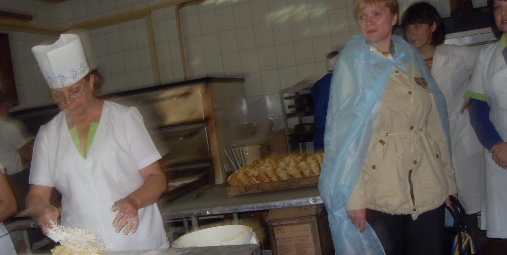 """Голова Хорольської РДА відвідала ПП """"Хорольська механізована пекарня"""""""